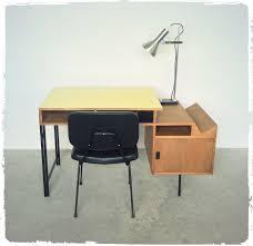 bureau de designer bureau d architecte des ées 50 en bois designer à identifier