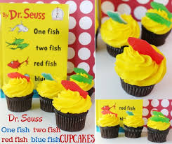 dr seuss cupcakes dr seuss one fish two fish fish blue fish cupcakes