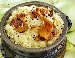comment cuisiner la choucroute crue comment préparer la choucroute garnie alsacienne recette
