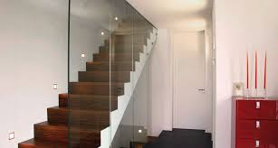 treppen holzstufen treppe aus holz metall 1 000 qm ausstellung in aschaffenburg