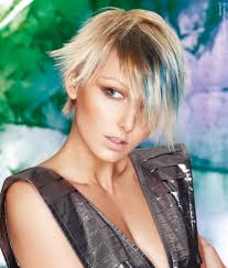 hair with blue streaks short platinum blonde hair with blue layers