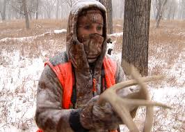 10 tips for staying warm in late season hunting petersen u0027s hunting