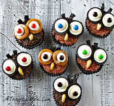 easy to make halloween cakes and cupcakes halloween cupcake ideas