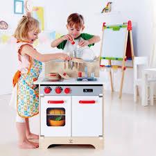 hape gourmet küche hape weisse gourmet küche aus holz e3152 pirum holzspielzeuge