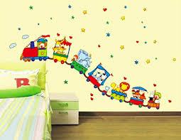 stickers décoration chambre bébé 16 stickers muraux pour bien décorer la chambre de bébé