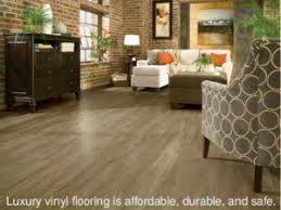Durable Laminate Flooring Luxury Vinyl Vs Laminate What S The Difference Gohaus