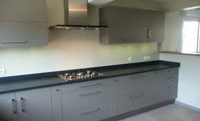 meuble cuisine et gris cuisine meubles gris gallery of plus de rangements with cuisine