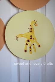 sweet and lovely crafts handprint giraffes