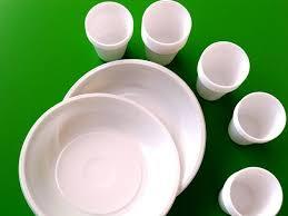 bicchieri di plastica sono riciclabili raccolta differenziata piatti e bicchieri di plastica ora si