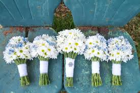 wedding flowers on a budget wedding flower packages bridal bouquets boutonnieres and