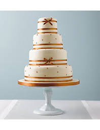 daisy pearl wedding cake http www weddingheart co uk marks and