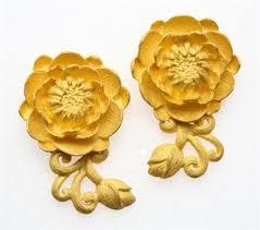 anting emas 24 karat elegan dan mewah perhiasan emas murni karya goldmart