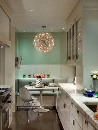 küche verschönern küche verschönern mit wandfarbe hellbrün und weiße sitzecke küche