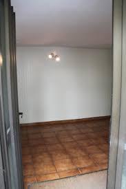 chambre avec placard rez de chaussee entrée avec placard chambre bureau cellier