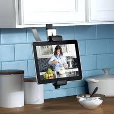 tele pour cuisine meuble tv petit espace cuisine tele pour