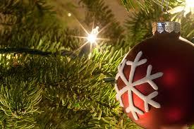 how to light a christmas tree how to get your christmas tree lights to sparkle like magic