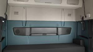 2017 volvo 780 interior volvo volvo trucks and car interiors 2326x1310 volvo fm sleeper cab bunk jpg 2326 1310 trucks