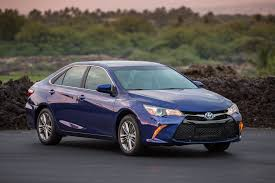 toyota hybrid camry 2015 toyota camry reviews and rating motor trend