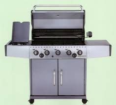 cuisiner avec barbecue a gaz rebel 5 réf aménagement extérieur cuisine extérieure
