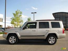 2007 light graystone pearl jeep commander sport 4x4 17199206