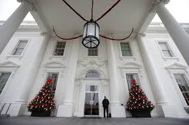 an inside look at michelle obama u0027s final white house holiday