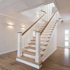 geschlossene treppen holztreppen treppen treppenbau holztreppen metalltreppen