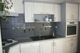 cuisine repeinte en gris cuisine repeinte gris blanc nous a fait l aise en newsindo co
