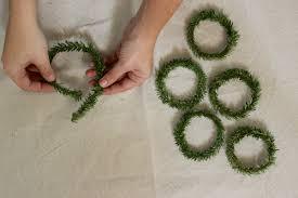 diy mini wreath gift tags design sponge