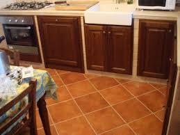 produzione antine per cucine ante per cucina in muratura roma e su misura falegnameria roma