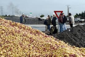 siege pomme de près de fos sur mer le siège des agriculteurs des bouches du