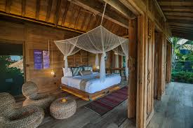 honeymoon bali ubud hotel luxurious nature bamboo loversiq