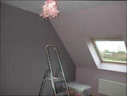 peindre une chambre mansard comment peindre chambre mansardee maison design sibfa com