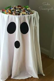 Halloween Party Ideas 26 Cheap And Easy Last Minute Halloween Party Ideas White Spray
