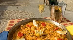 cuisiner espagnol cours de cuisine espagnole avec trip4real la paella barcelone