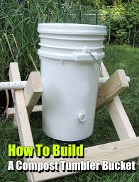 How To Make A Compost Pile In Your Backyard by Best 25 Compost Bucket Ideas On Pinterest Growing Tomatoes