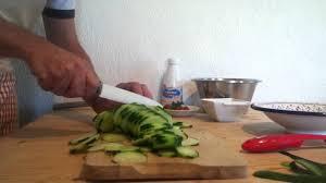comment cuisiner un concombre faire une salade de concombre recette facile