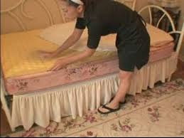 How To Make A Duvet Cover Stay How To Make A Bed How To Put A Mattress Pad On The Bed Youtube