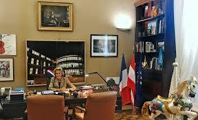 Caroline Cayeux T Invite à Visiter Le Bureau Du Maire à L Hôtel De Le Bureau Beauvais