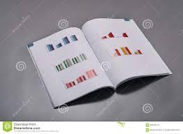 Grauer Schreibtisch Geschäftsunterlagen Auf Einem Grauen Schreibtisch Stockfoto Bild