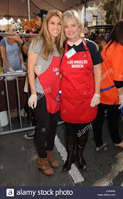thanksgiving dinner los angeles kate mansi and mary beth evans admlamissionthanksg13bp134 27