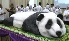 malaysia zoo celebrates pandas birthday giant cake cake