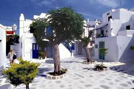 why is the color white so popular in greece for painting your home