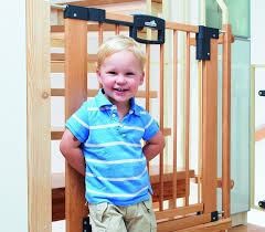 Amazon Stair Gate Geuther Stair Safety Gate Easy Lock Wood Range Of Adjustment