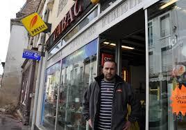 bureau tabac grenoble chalon sur saône un buraliste attaque le maire pour déménager