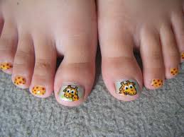 little girls giraffe nail design for my sister cool