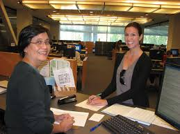 Student At Desk by Sjsu Librarian Helps Student In Reference Sjsu Librarian H U2026 Flickr