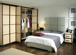 meuble de rangement chambre à coucher interieur de la maison johnny hallyday a marne coquette salle