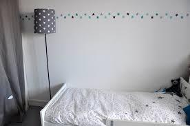 decoration etoile chambre une chambre d enfant étoilée flying mamaflying