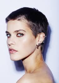 womens buzzed and bold haircuts kris gottschalk brunette cropped hair cuts pinterest crop