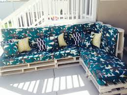 Seating Out Of Pallets by Pallet Furniture Pinterest Diy Wood Pallet Couch Home Design